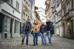 Gruppenfoto am Rindermarkt in Zürich | Michael Rieder Photography